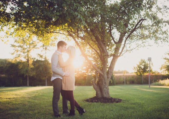 couples photo, anniversary photo, outdoor pictures